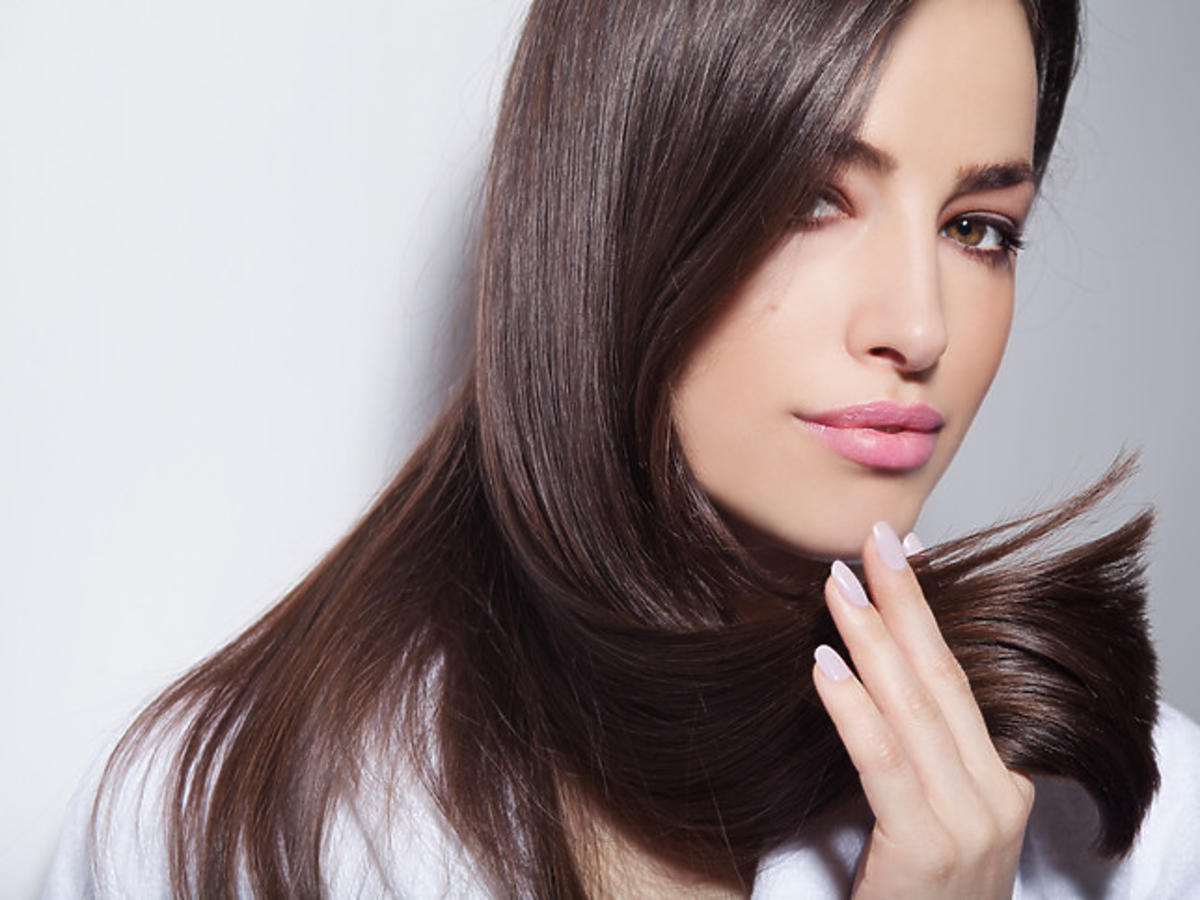 efekt wygładzenia po zastosowaniu maski do włosów