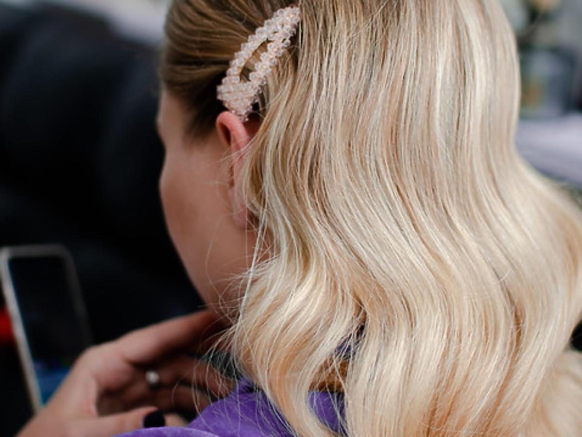 fale na włosach na pasek od szlafroka