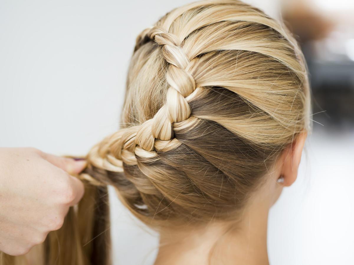 fryzura z długich włosów
