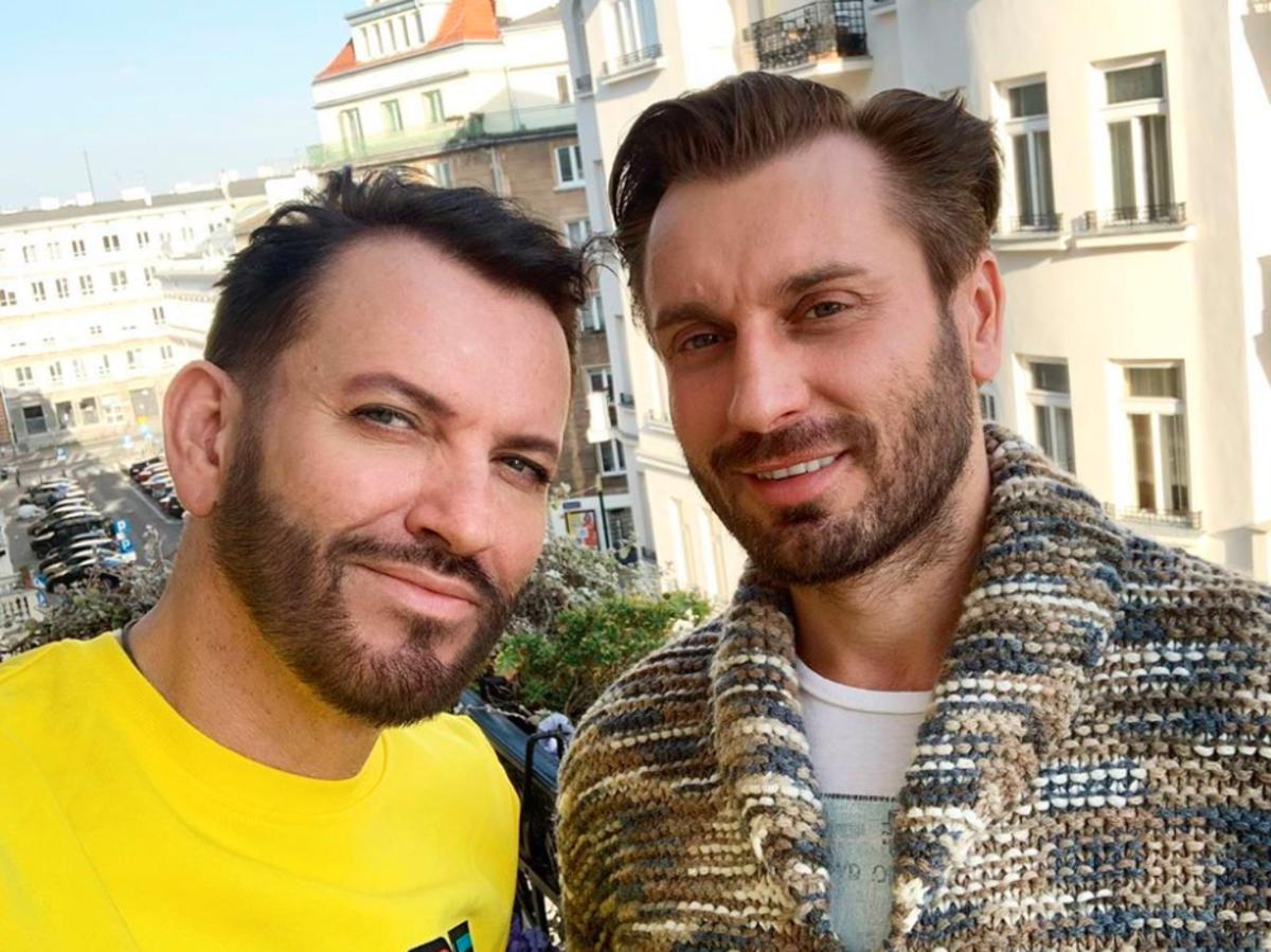 """Gabriel z """"Królowych życia"""" został ojcem?! Co na to jego wieloletni partner Rafał?"""