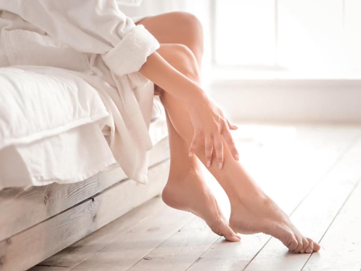 gładka skóra na nogach