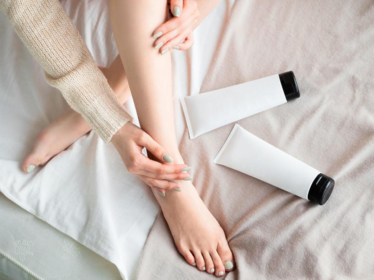gładkie nogi bez podrażnień po depilacji