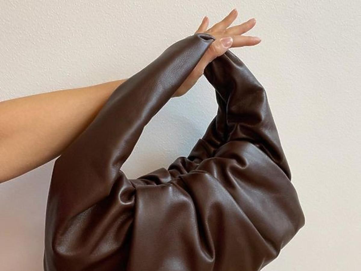hobo bag - modna torebka na jesień 2020