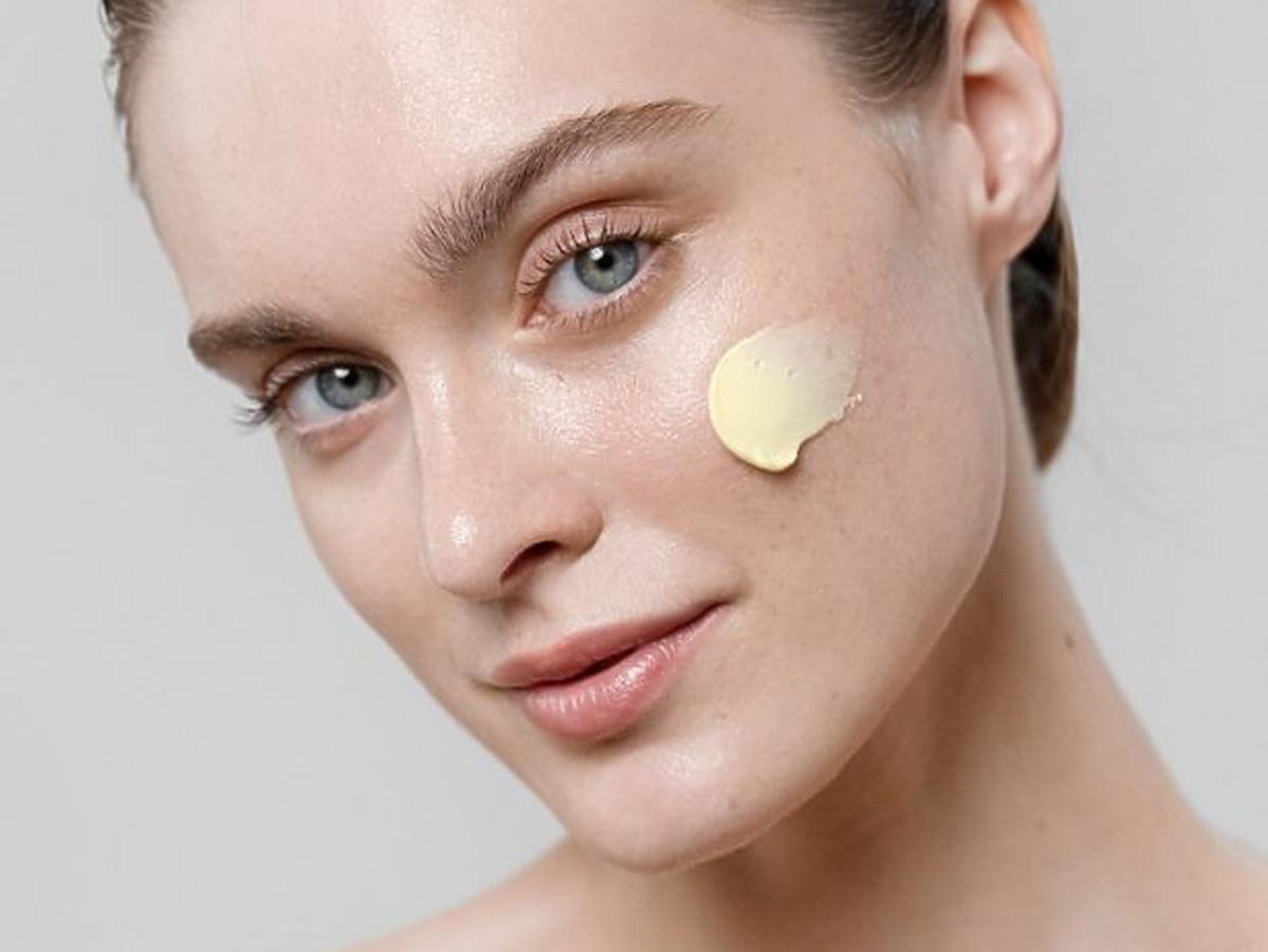 Jak działa Krem nawilżający przeciw niedoskonałościom z kurkuminą Curcumin cream Dermash Cosmetics