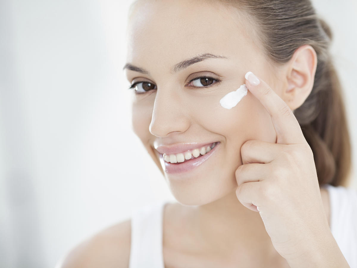 Jak prawidłowo pielęgnować skórę twarzy?