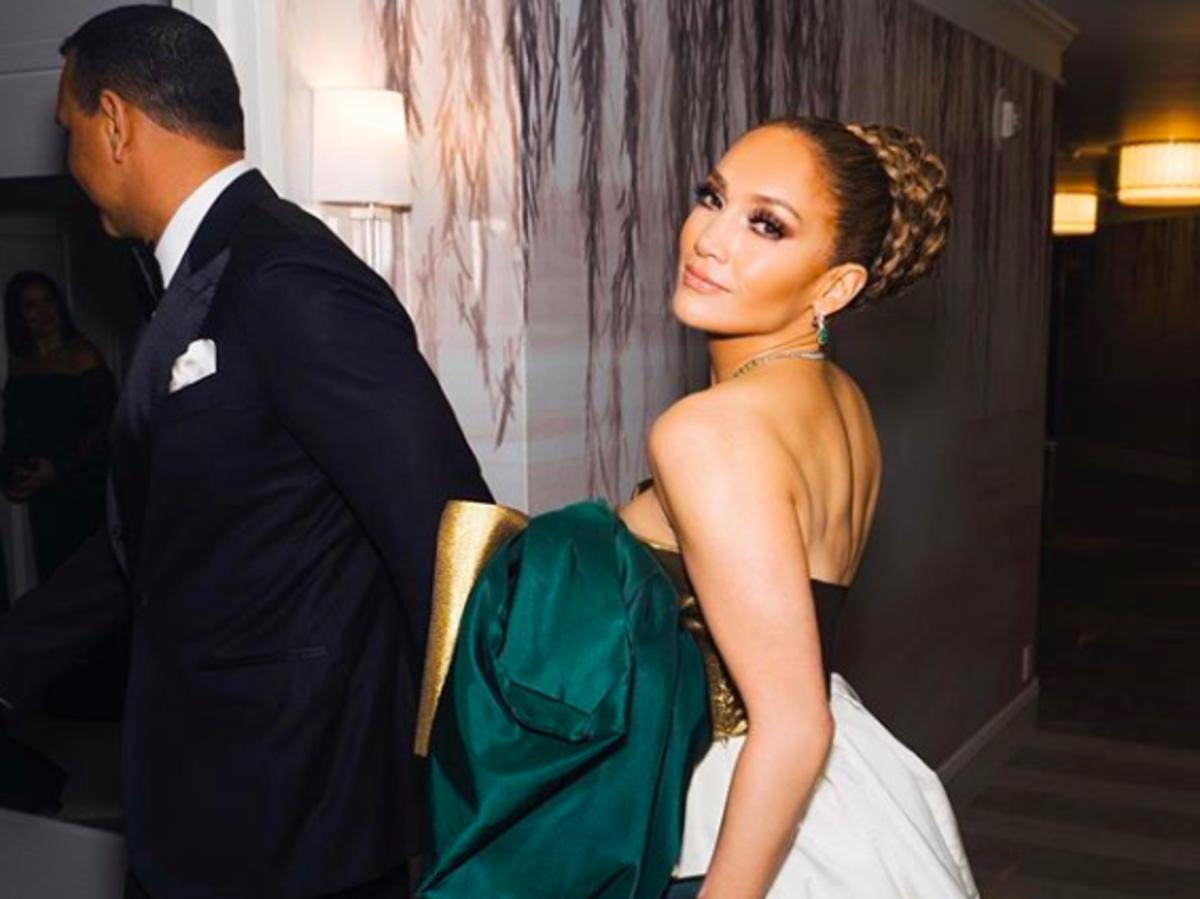Jak wyglądają naturalne włosy Jennifer Lopez?