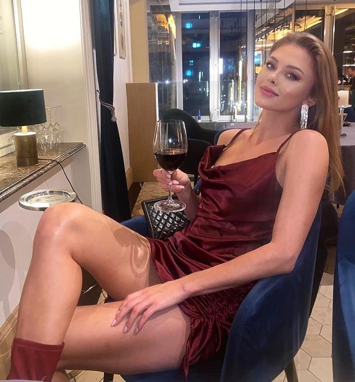 Joanna Opozda w sukience na jesień za 45 złotych