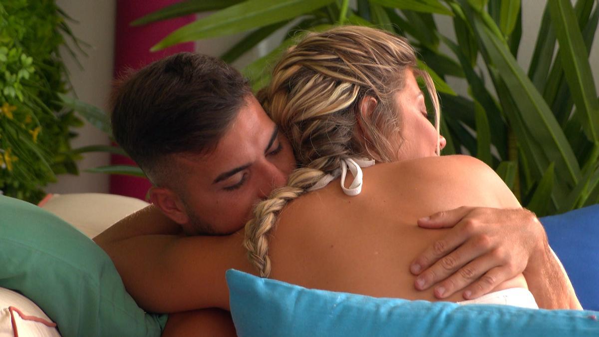 Jurek przytula Alex po rozstaniu