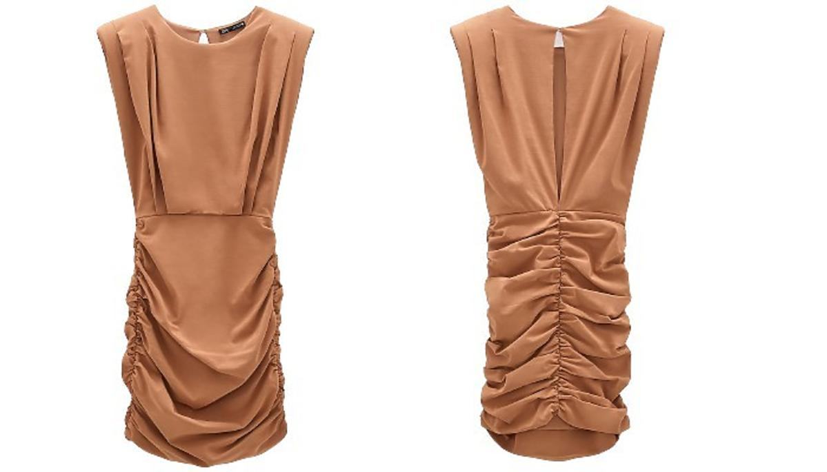 Kamelowa sukienka z Zary na wyprzedaży