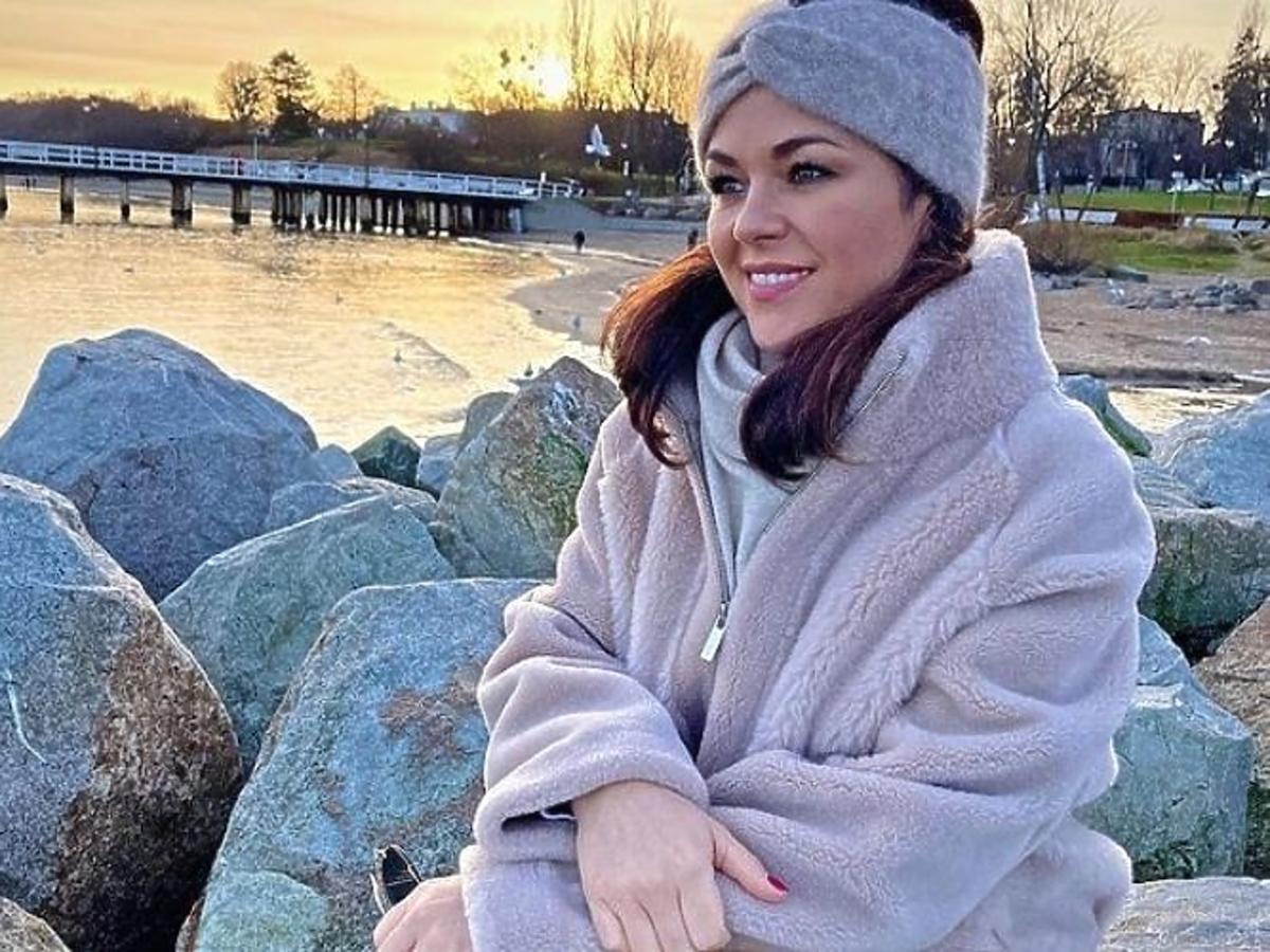 Katarzyna Cichopek w najmodniejszej opasce na zimę
