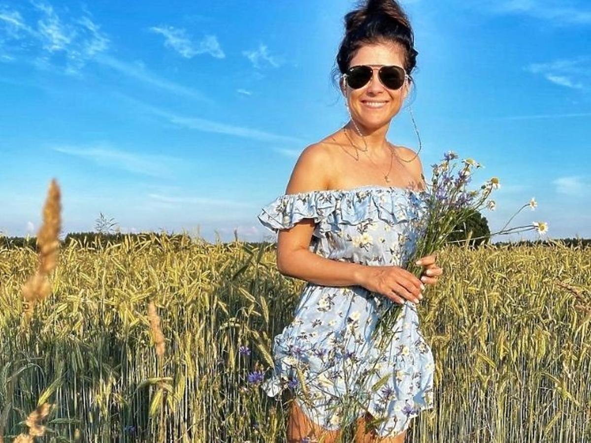 Katarzyna Cichopek  w sukience w kwiaty