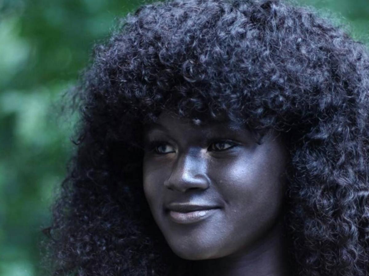 Khoudia Diop - niezwykła, czarnoskóra modelka