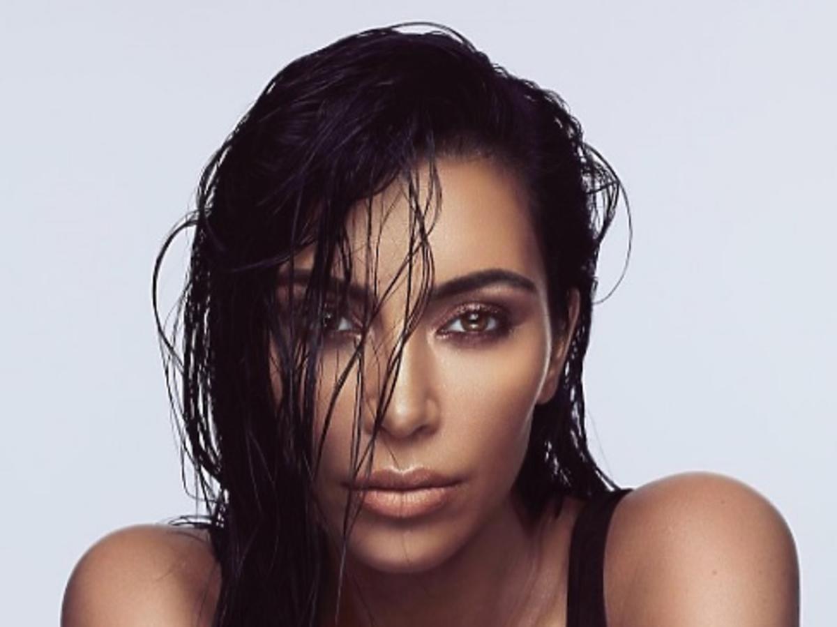 kim kardashian west makijaż włosy