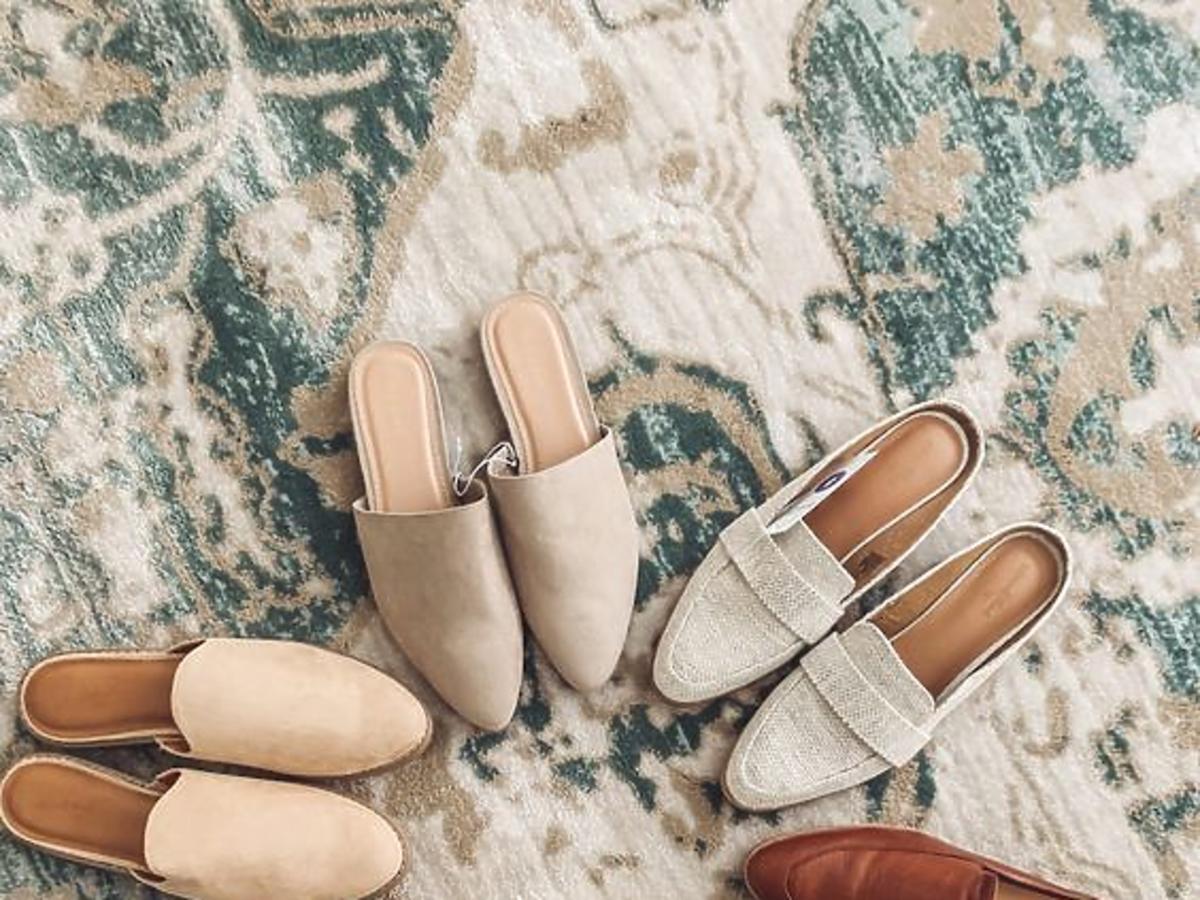 Klapki mule - najmodniejszy model butów na lato [przegląd perełek z sieciówek]