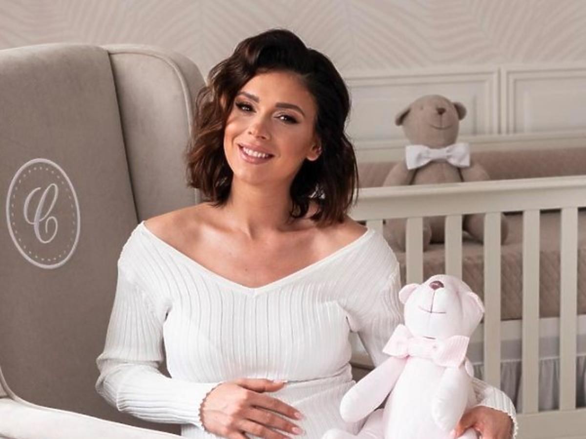 Klaudia Halejcio sześć dni po porodzie zalewa się łzami. Jej poruszający apel zelektryzował fanów