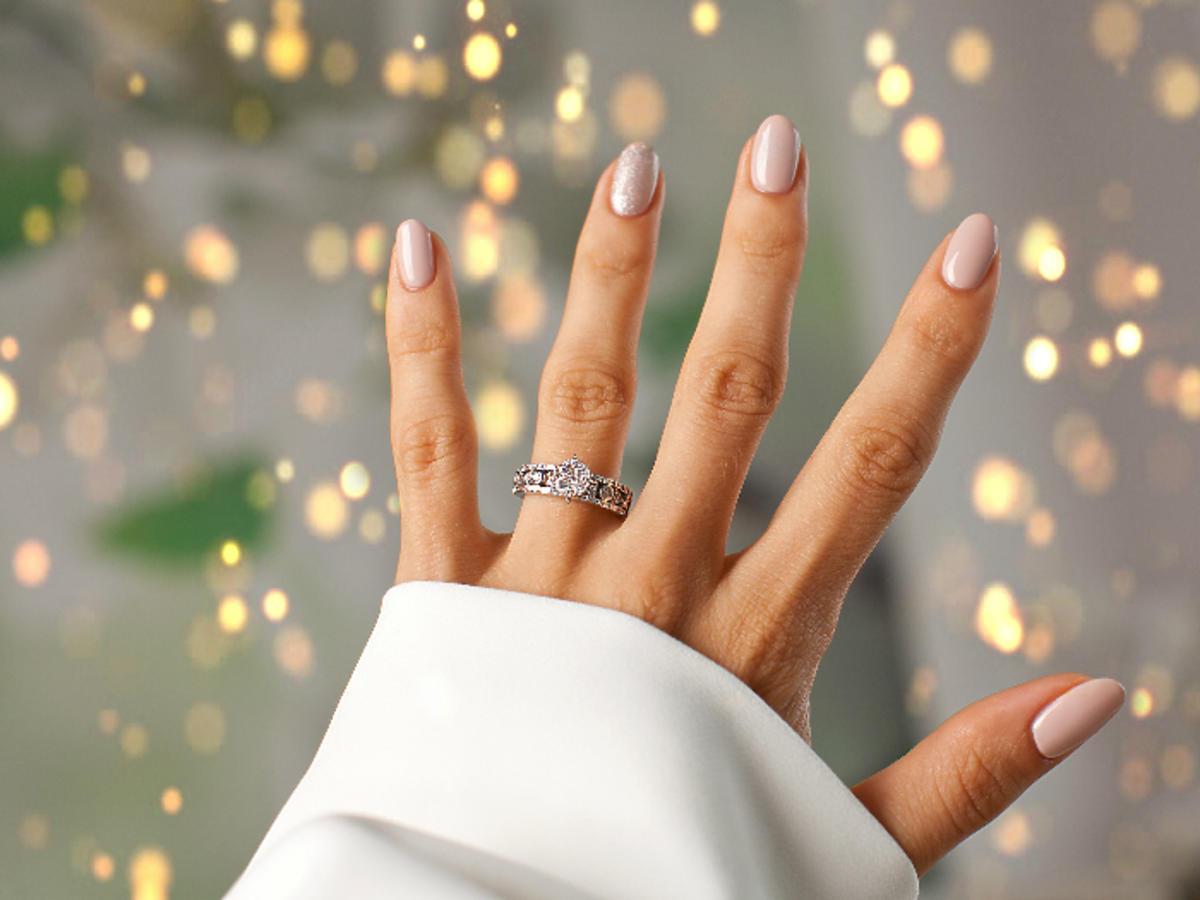 kobieca dłoń