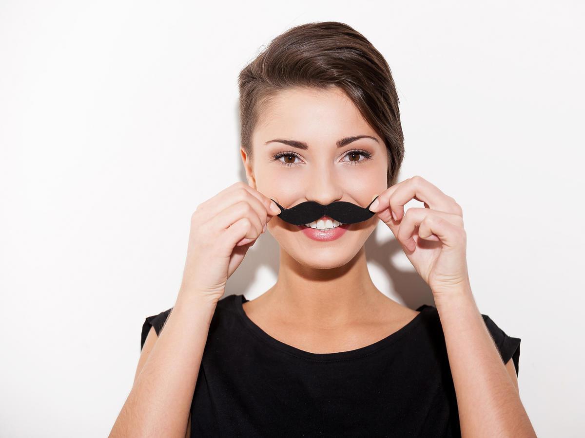 kobiecy wąsik