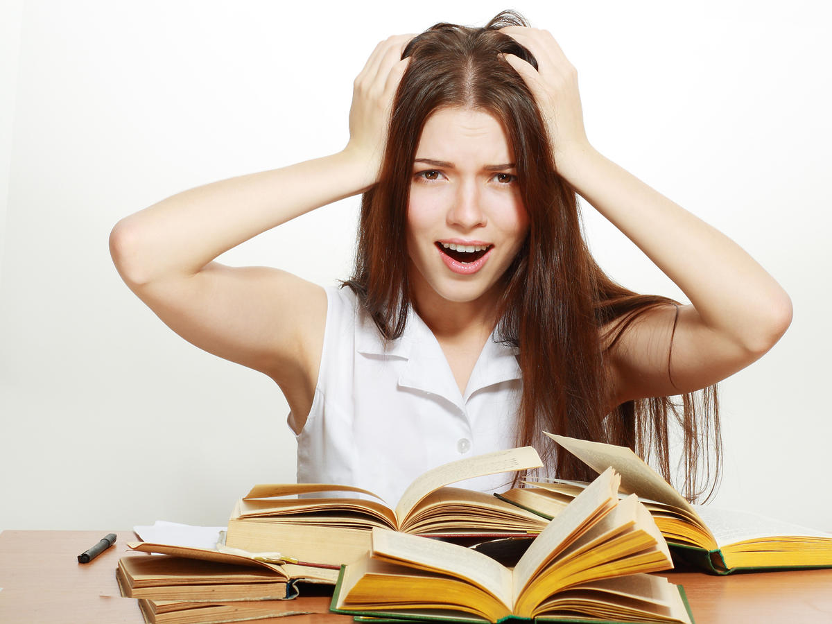 Kobieta podczas nauki