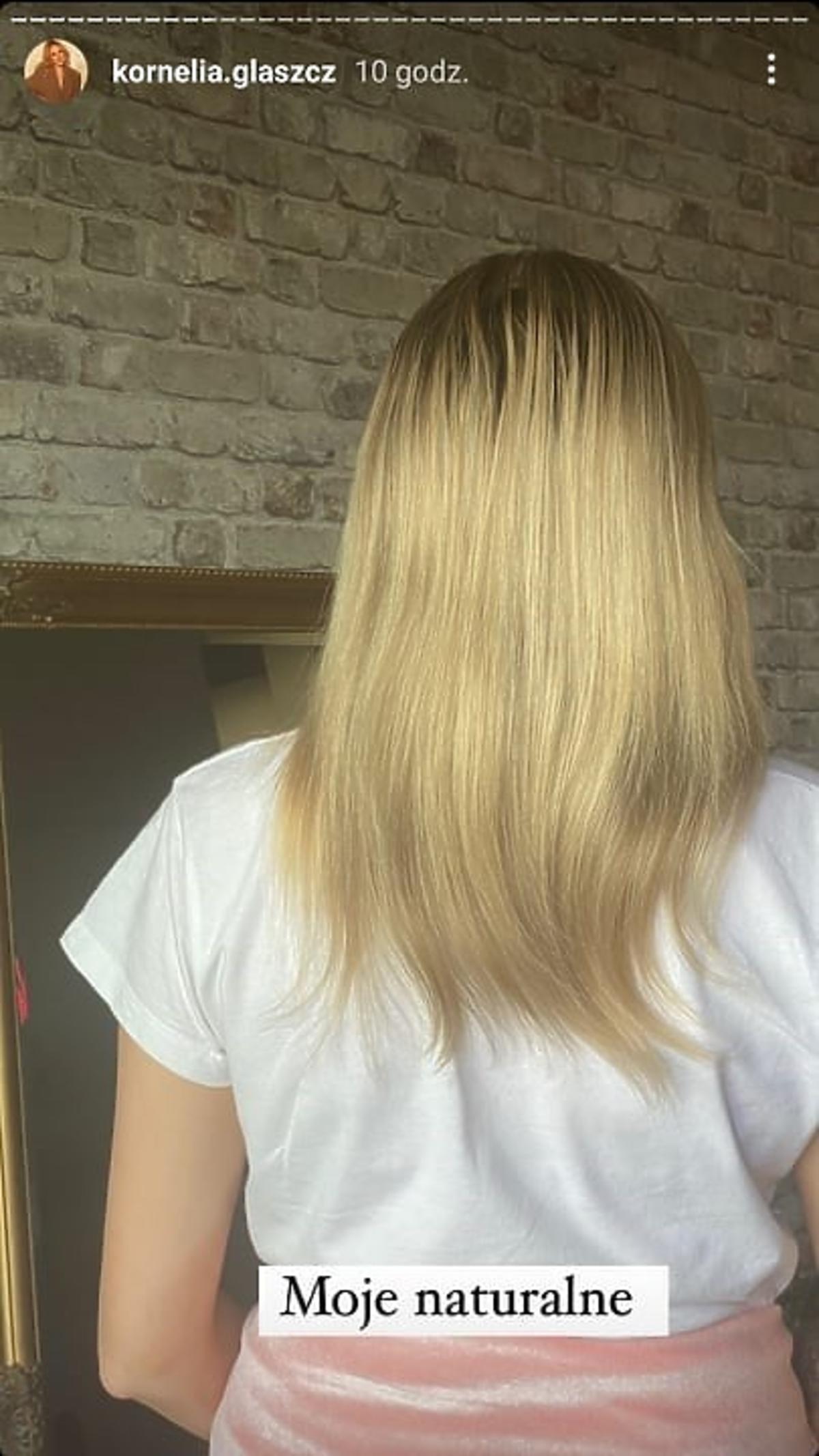 KOrnelia z Hotel Paradise pokazała swoje naturalne włosy