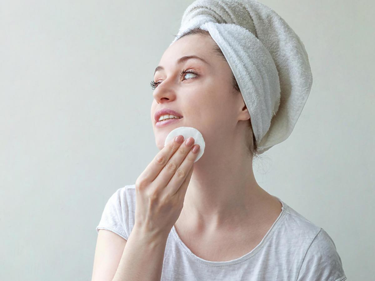 kosmetyki dla młodych ludzi trądzik przetłuszczanie się skóry podrażnienia Girls and Boys