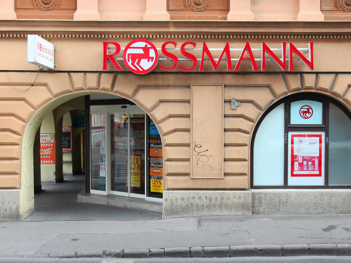 Kosmetyki Nivea w promocji w Rossmannie
