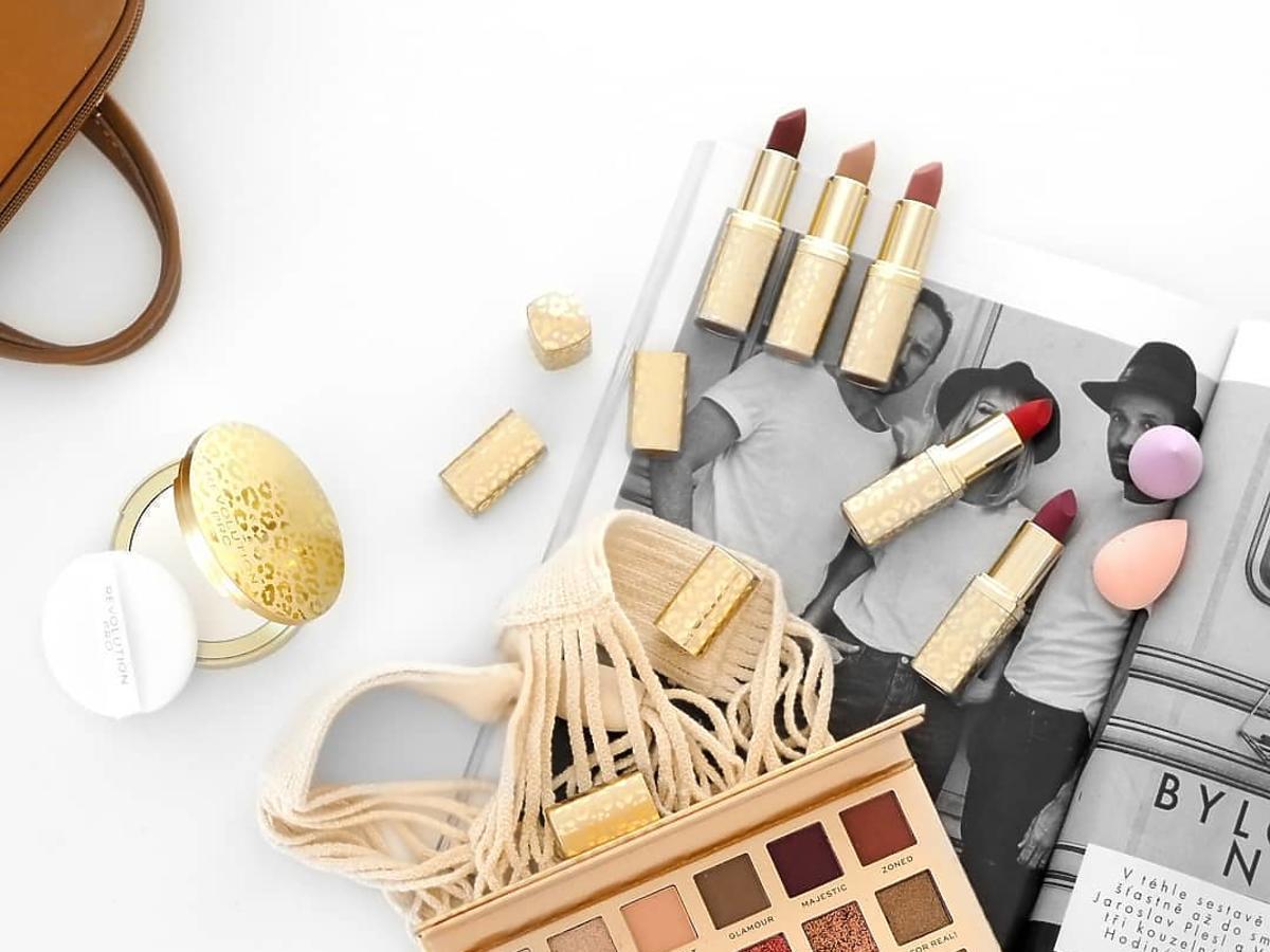 kosmetyki revolution pro w rossmannie