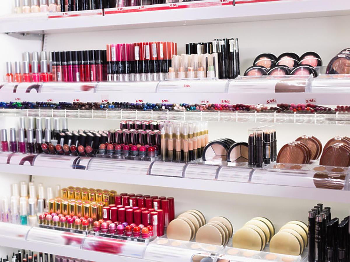 Kosmetyki w drogerii