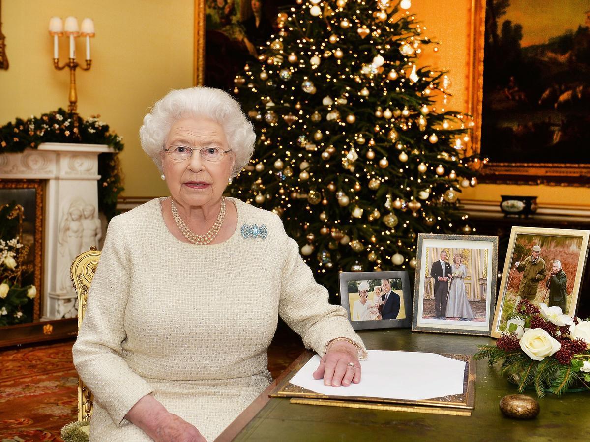Królowa Elżbieta II rezygnowała ze świątecznej tradycji! Jej pracownicy będą niezwykle rozczarowani