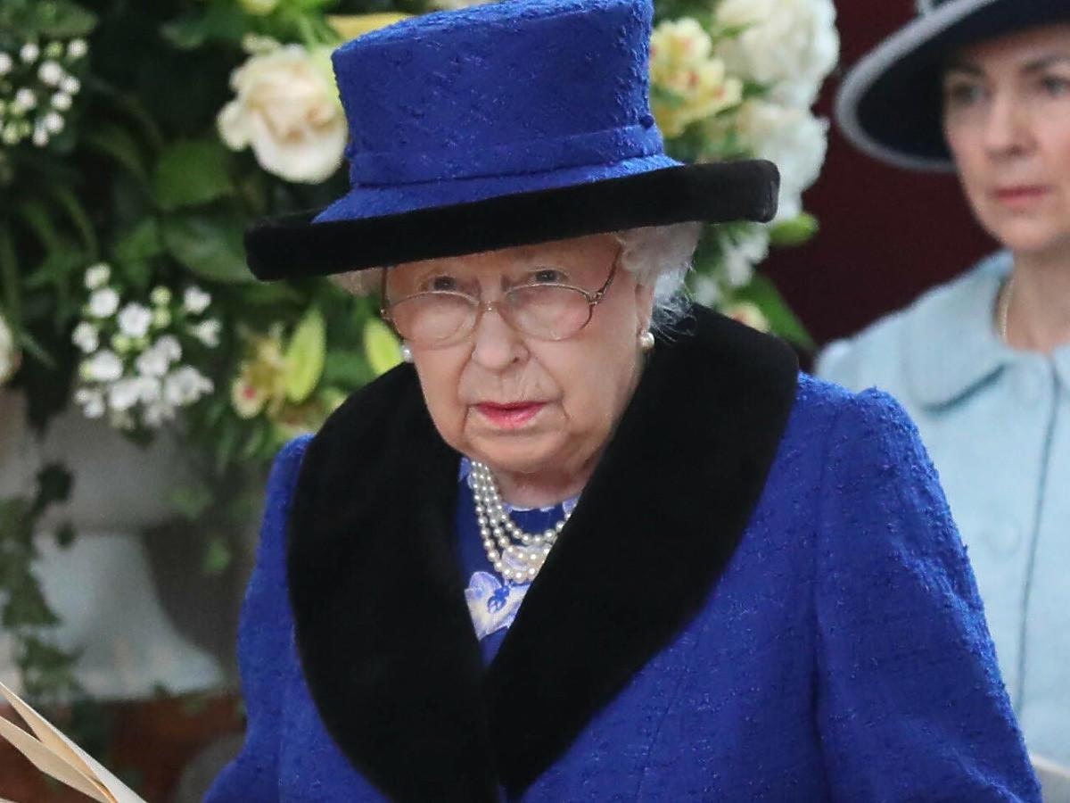 Królowa Elżbieta II uśmiercona w brytyjskiej śniadaniówce