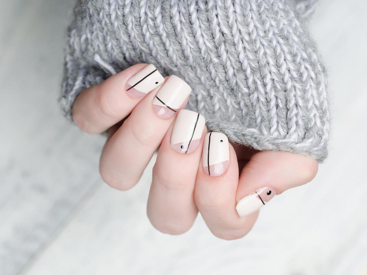 krótkie kwadratowe paznokcie
