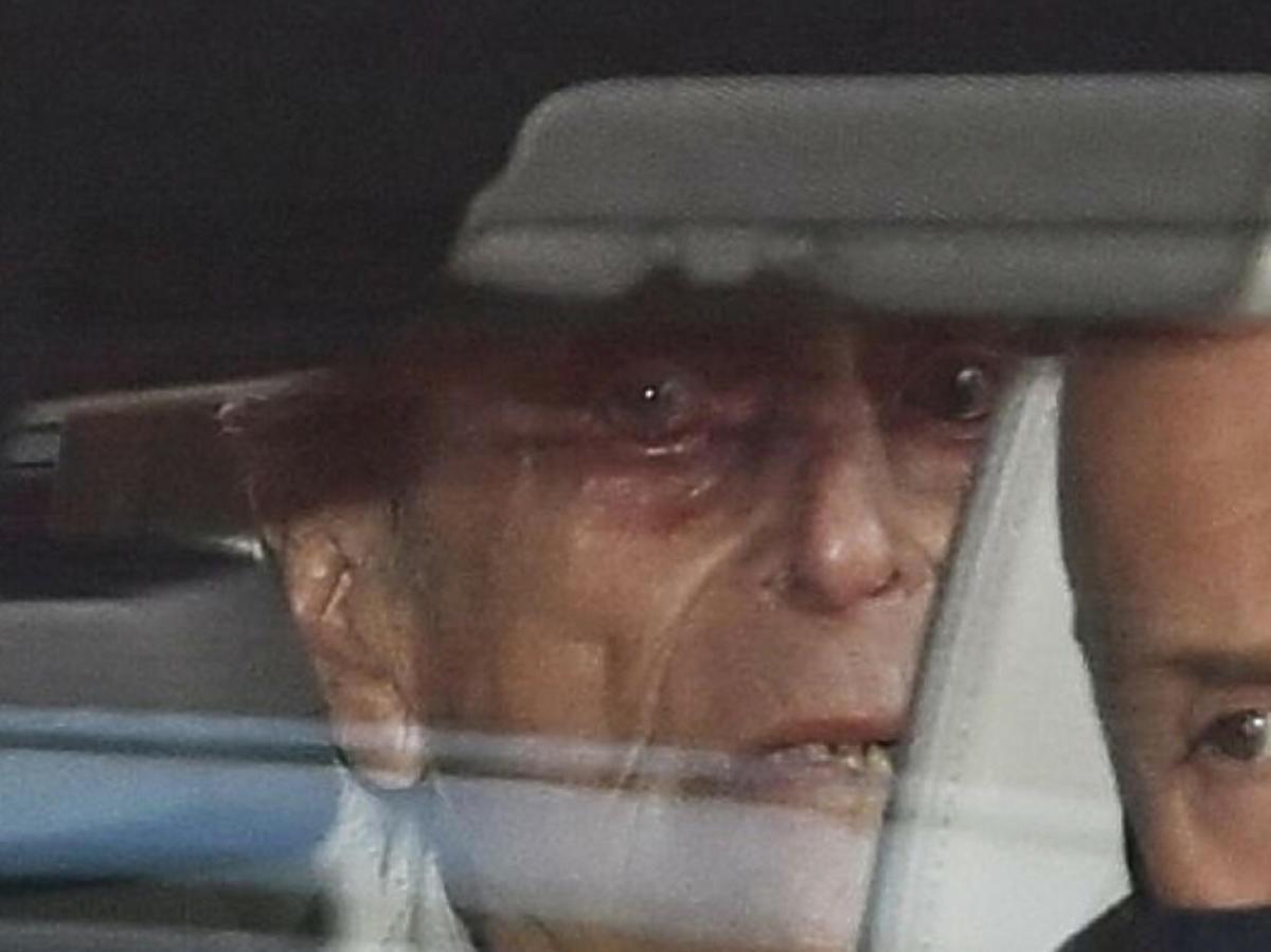 Książę Filip opuszcza szpital