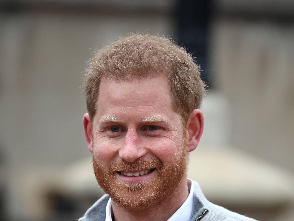 Książę Harry chodzi do SPA. Robi sobie manicure i pedicure