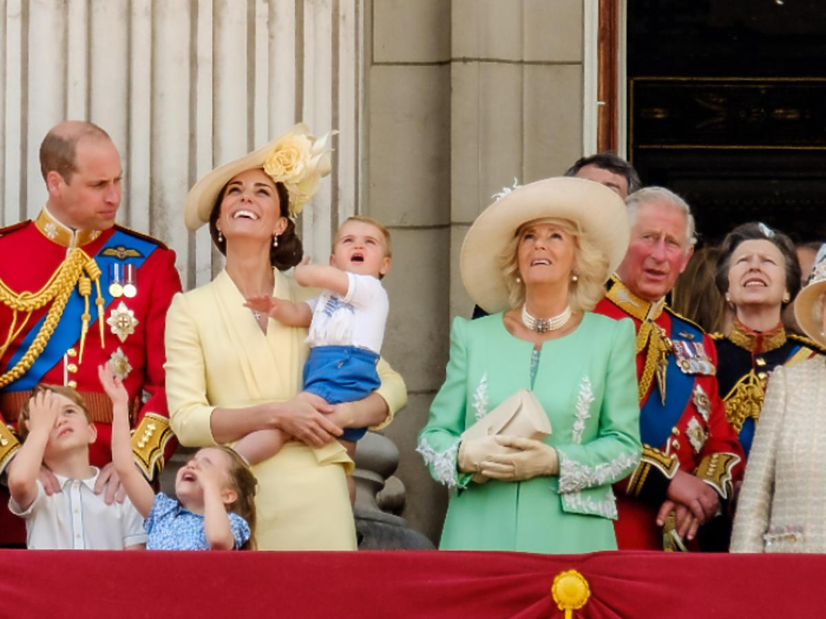 książę Louis zdjęcia paparazzi brytyjska rodzina królewska