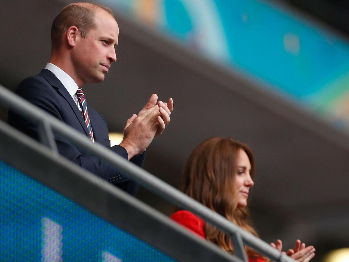 Księżna Kate i książę William zabrali George'a na mecz.
