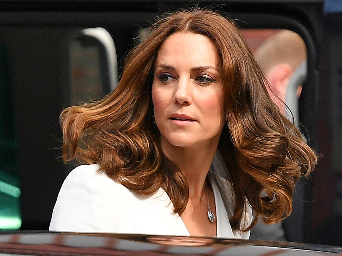 księżna kate middleton włosy rozpuszczone