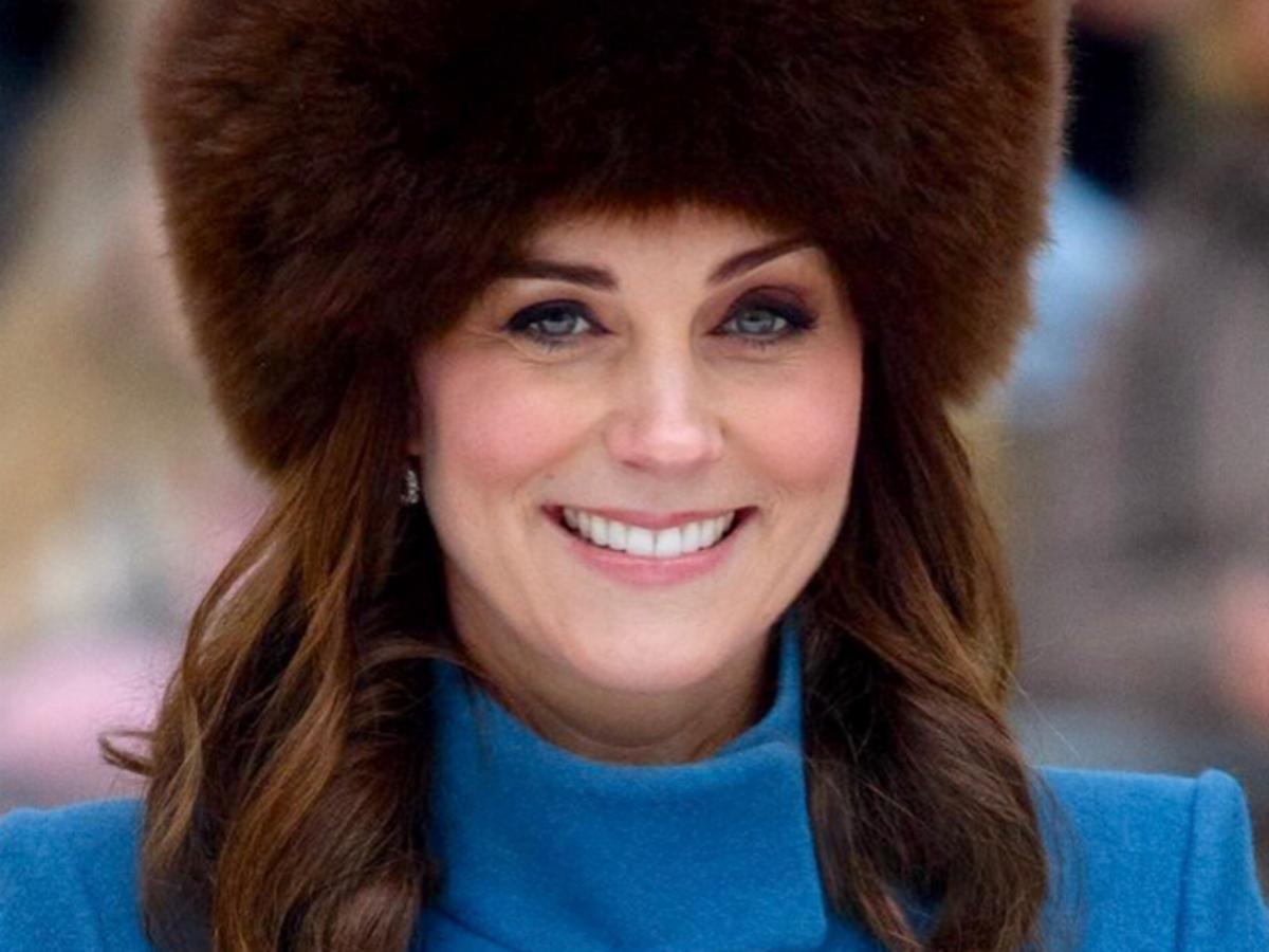 księżna kate w czapce