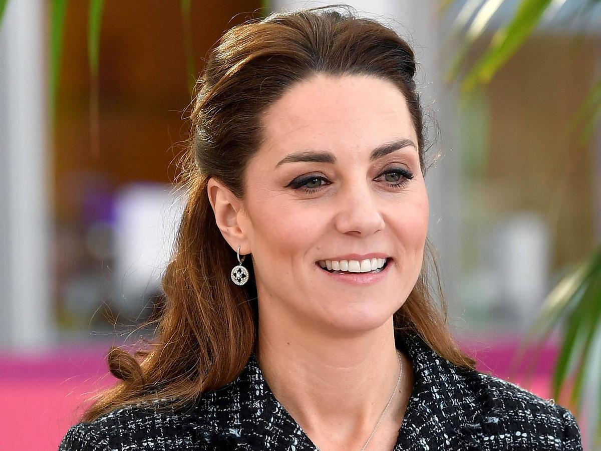 Księżna Kate w sukience z Zary. Kupicie ją na wyprzedaży za 59 zł