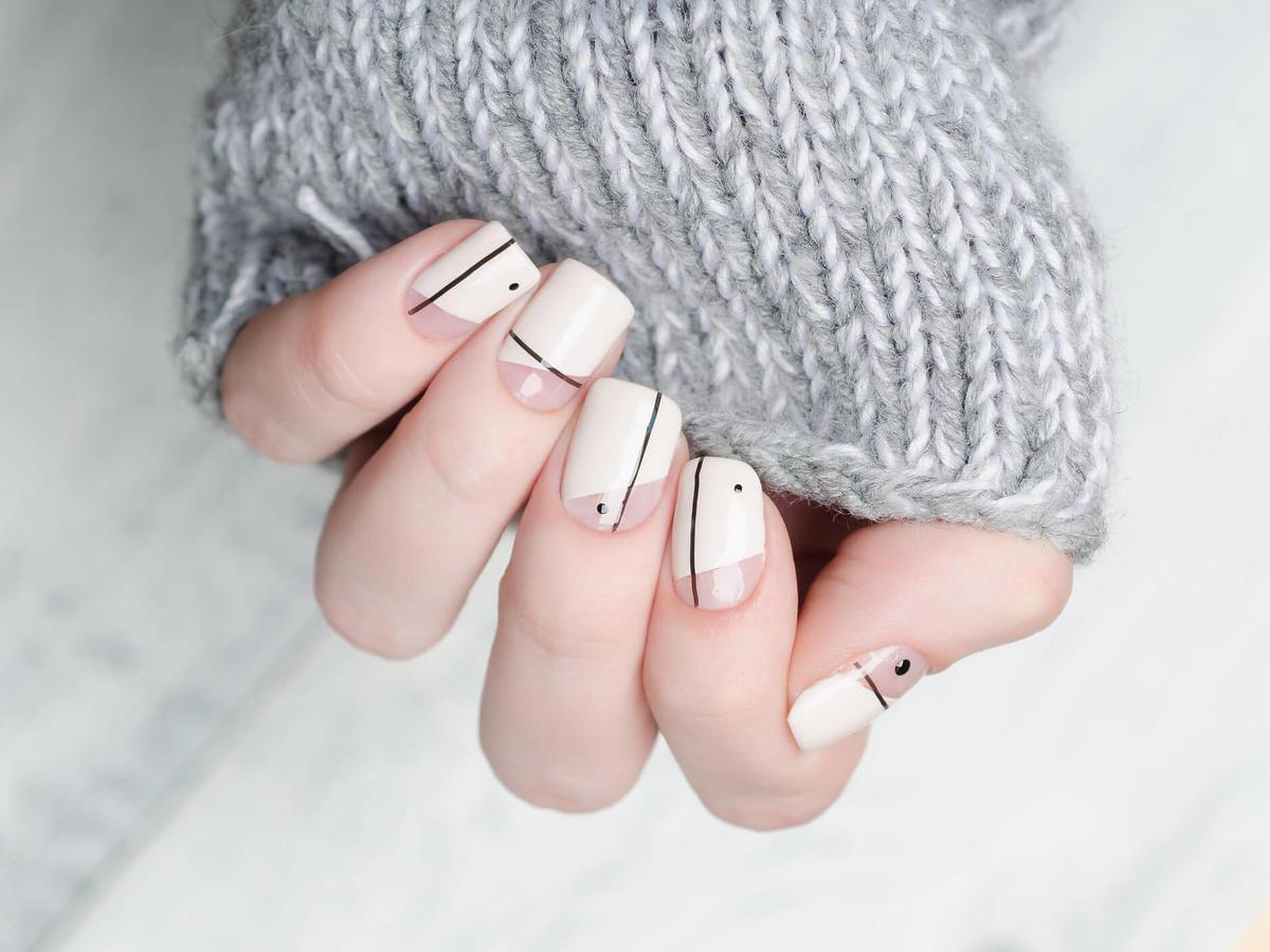 łatwe wzorki na paznokciach