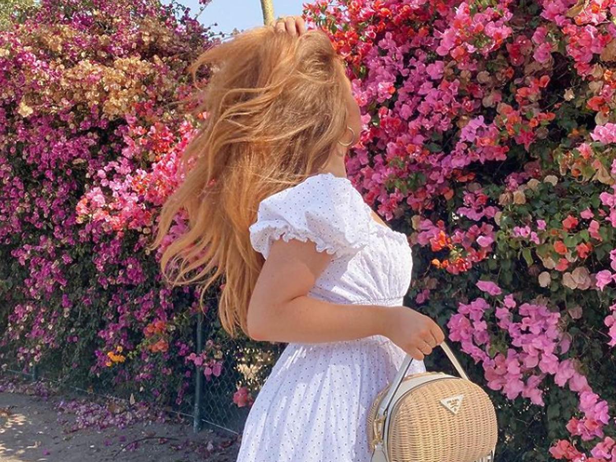 lilylikecom z plecioną torebką Prada