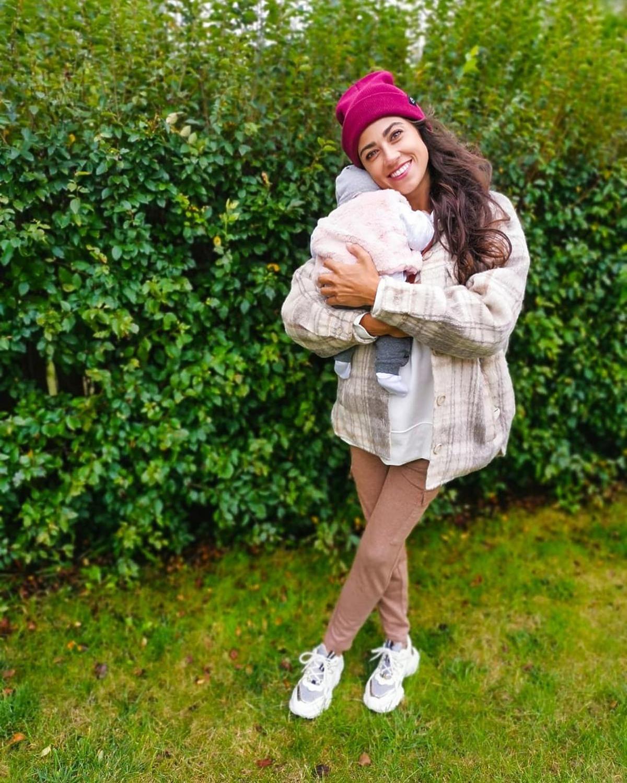 Maja Hyży w spodniach z Sinsay