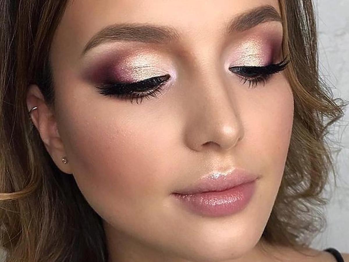 makijaż wykonany kryjącym podkładem