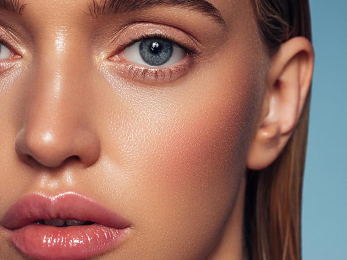 makijaż z uzyciem bronzera do twarzy