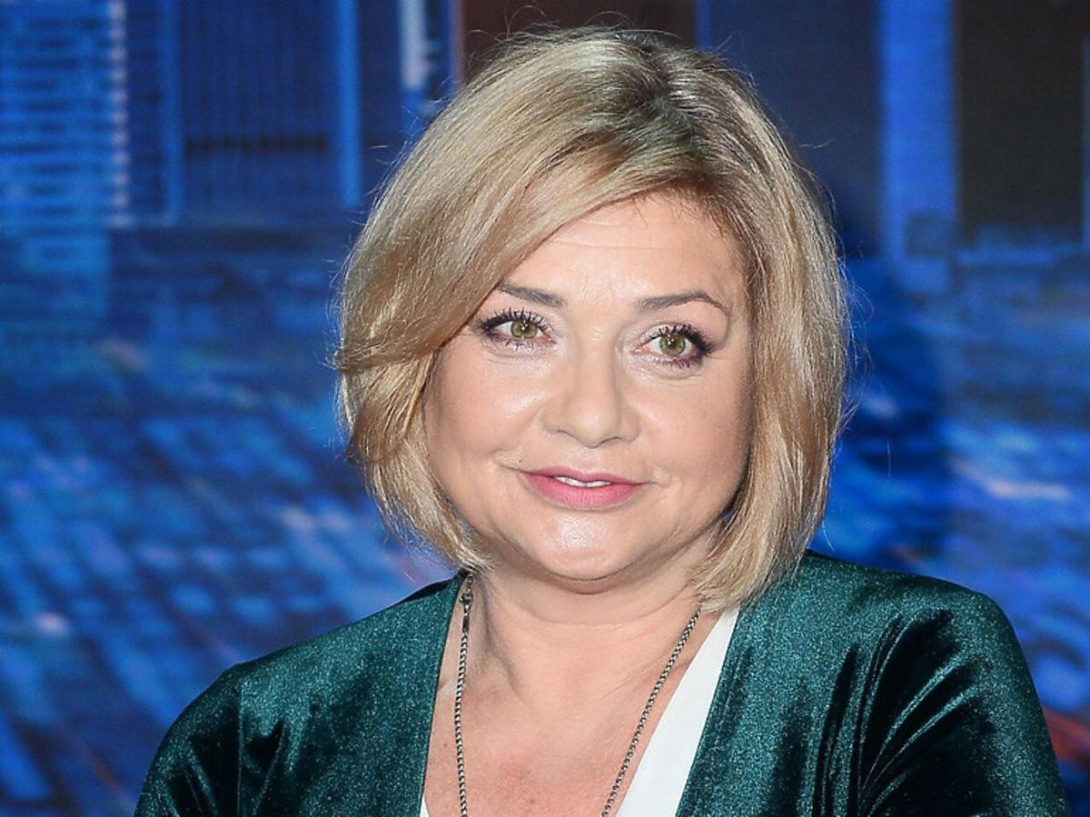 Małgorzata Ostrowska-Królikowska w ciemnych włosach
