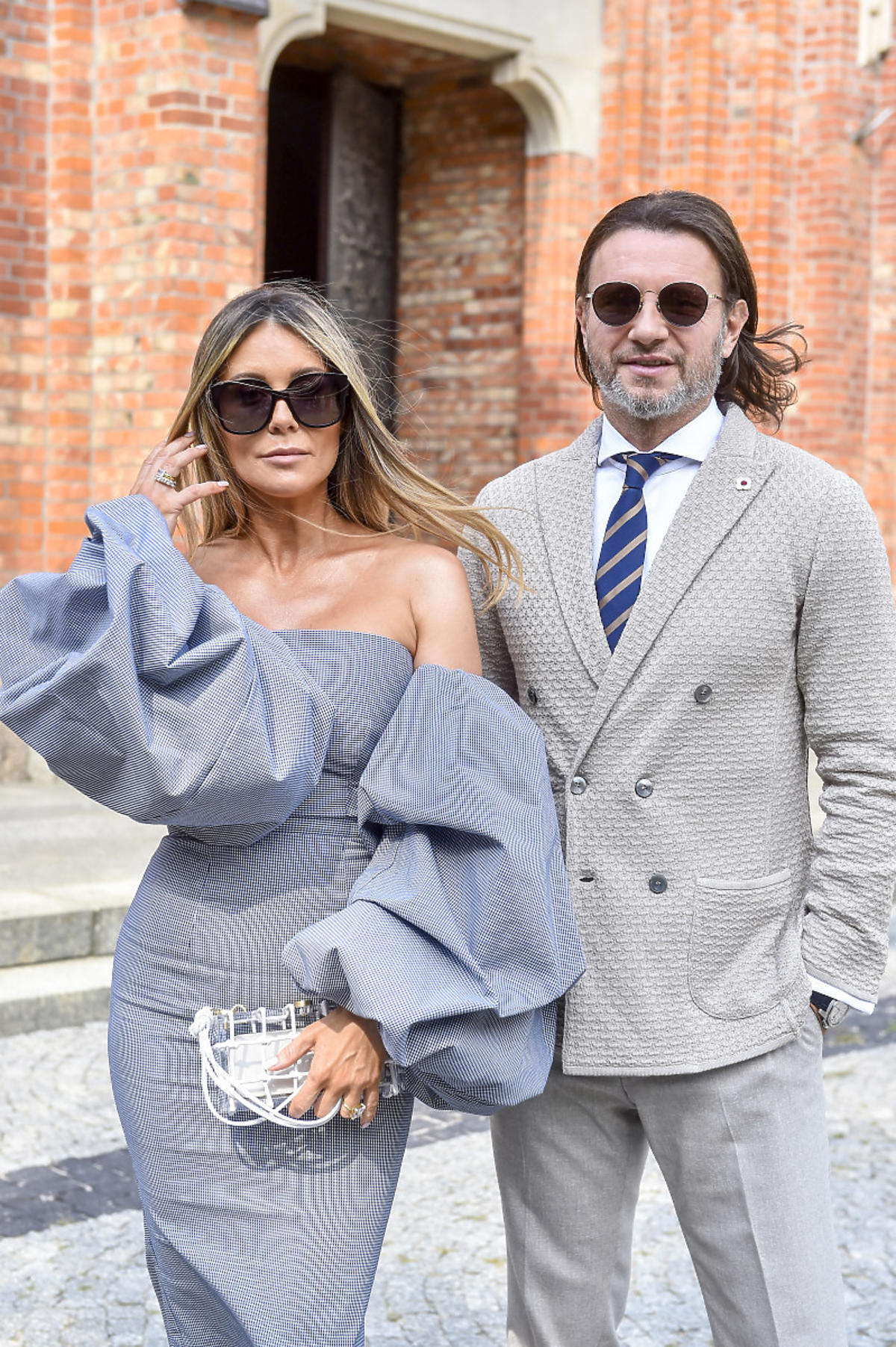 Małgorzata Rozenek skrytykowana za sukienkę na weselu Opozdy i Królikowskiego. Odpowiedziała
