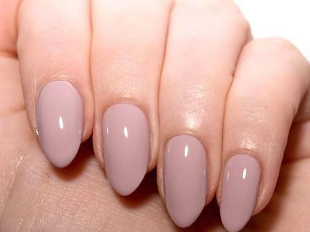 manicure w kolorze nude