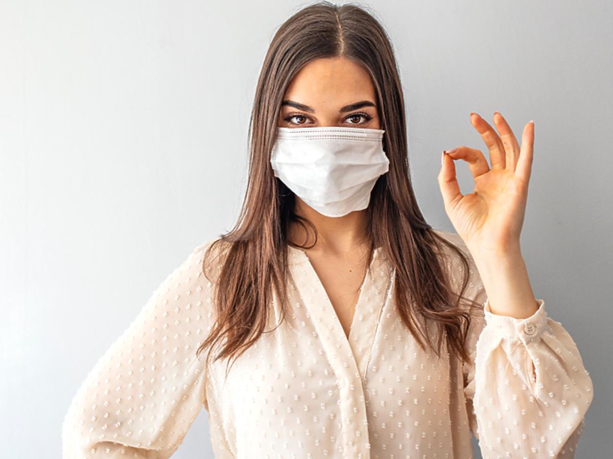 maska ochronna jak zrobić maska ochronna z worka do odkurzacza koronawirus