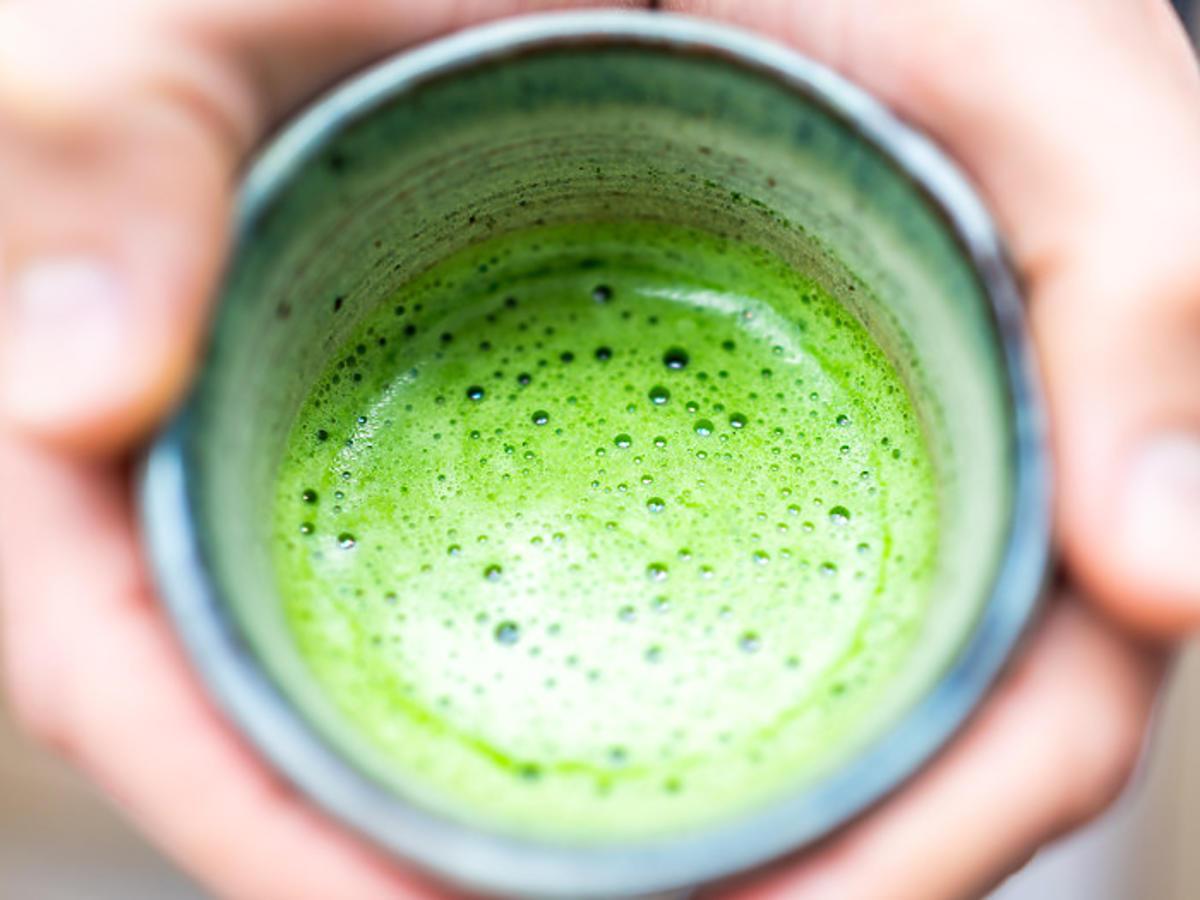 matcha, zielona herbata w proszku działanie, właściwości, przygotowanie