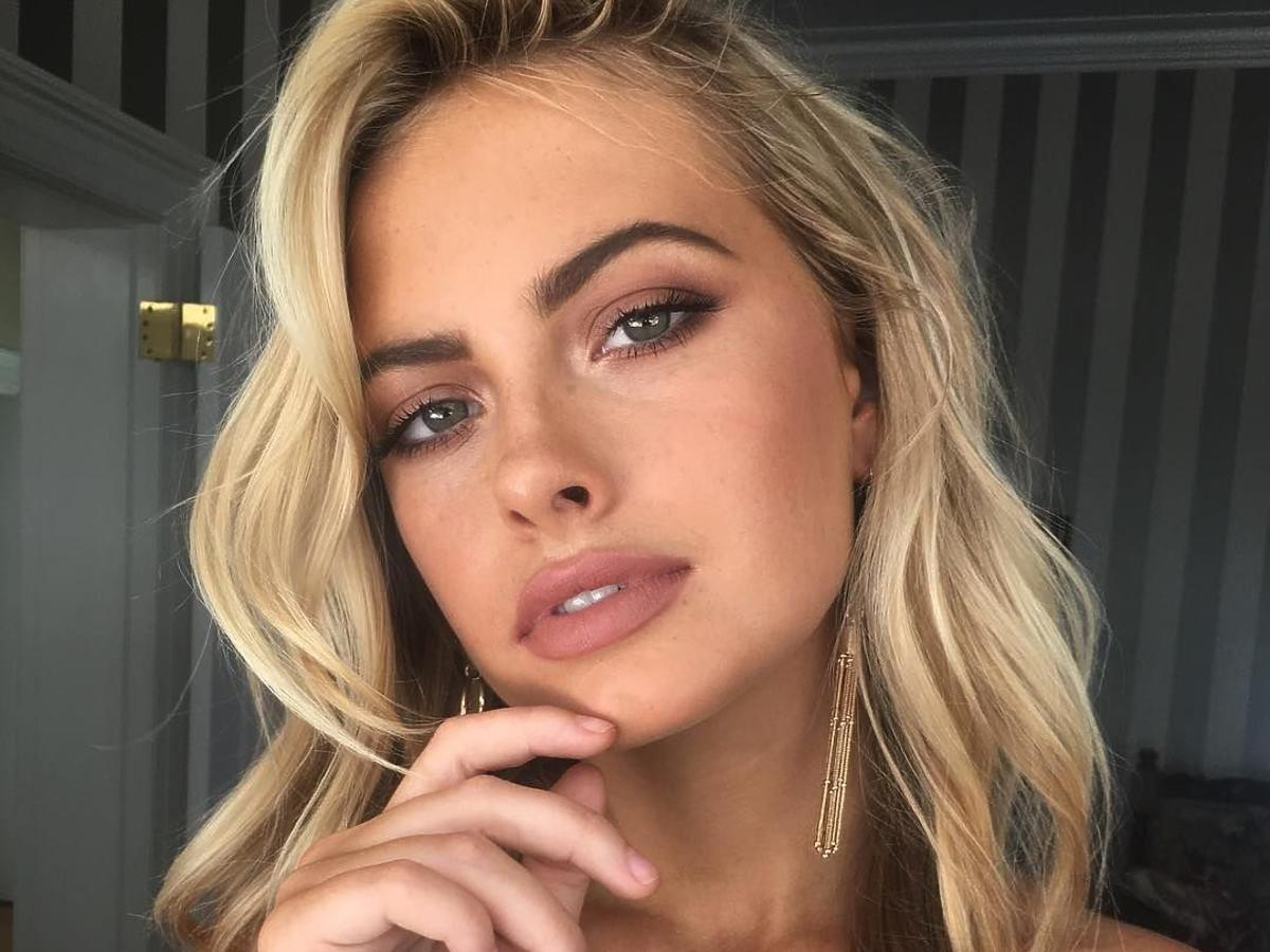 matowy makijaż - podkład matujący