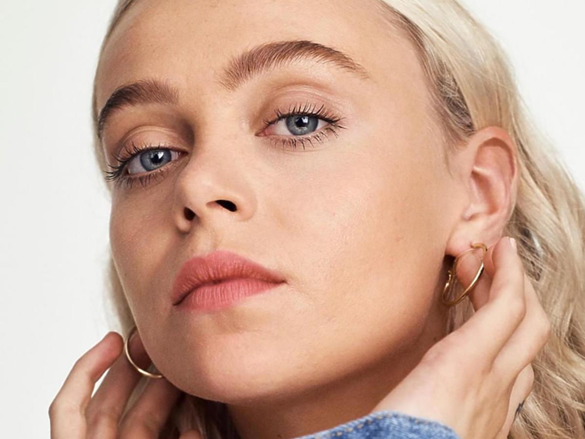 matująca baza pod makijaż Rimmel Matte Primer działanie opinie cena promocja Rossmann