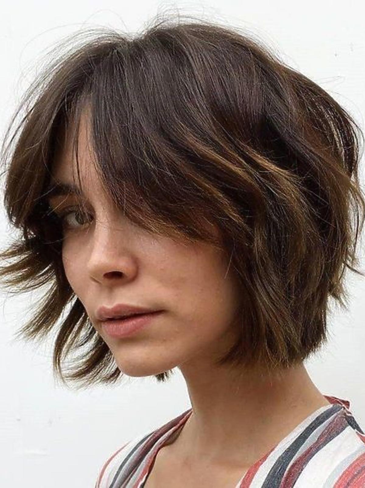 Modna fryzura - shaggy bob na bardzo krótkich włosach